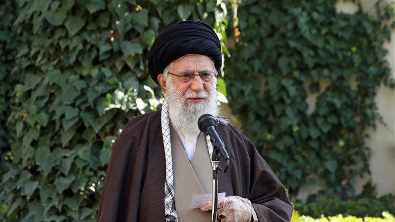 Sayid Ali Khamenei, Dari Kamar Pesantren Hingga Puncak Wali Faqih